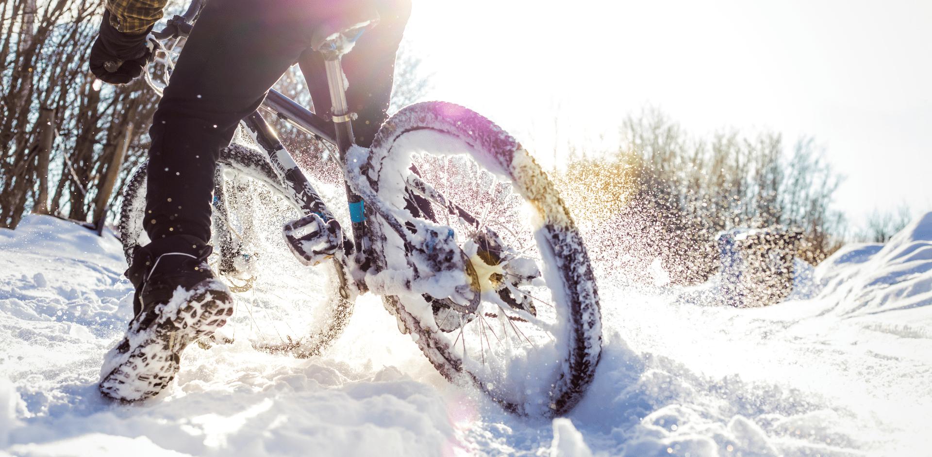 zimowa odzież rowerowa chroni przed zimnem