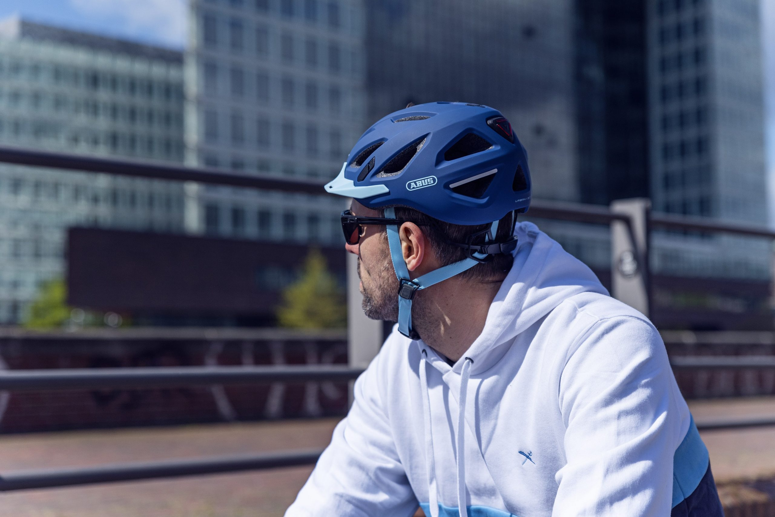 uniwersalny kask rowerowy