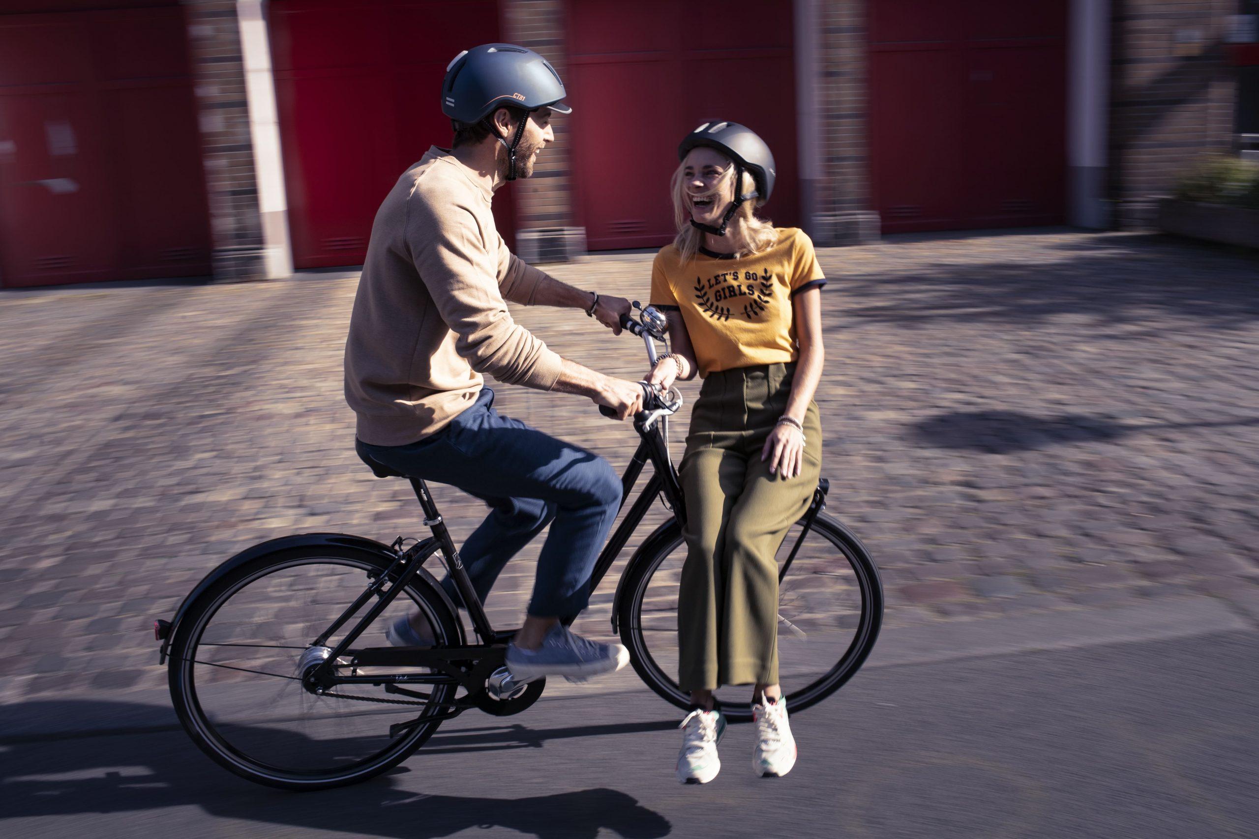 kask rowerowy dla rowerzystów miejskich