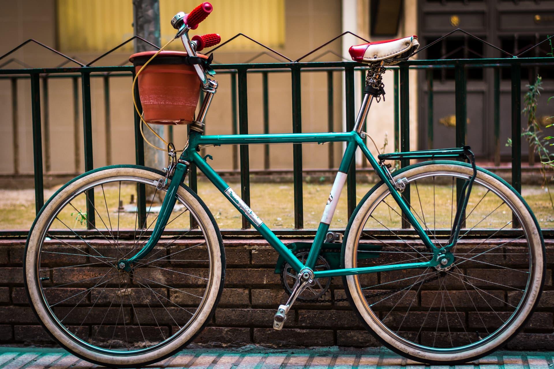 akcesoria do roweru miejskiego z oryginalnymi dodatkami
