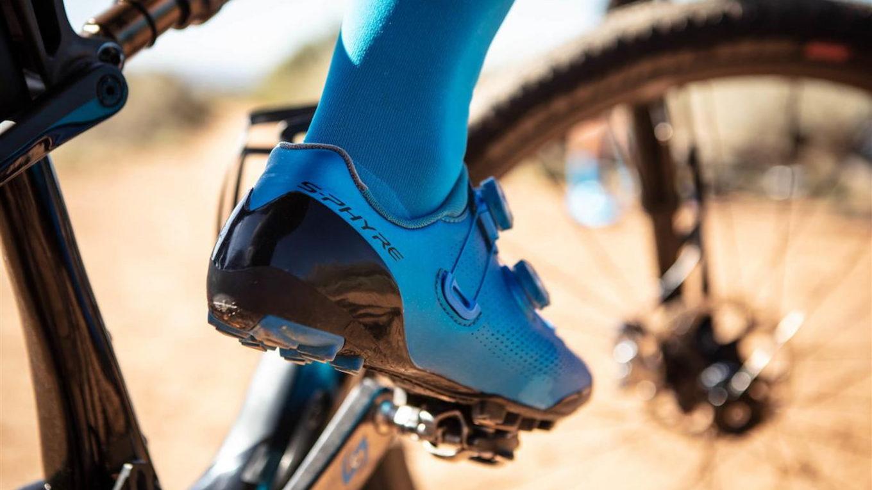 Buty rowerowe wpięte w pedały SPD