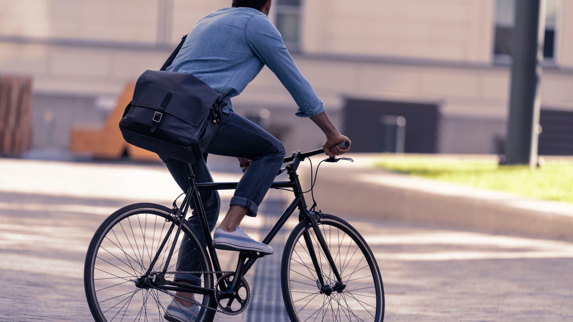 Jednorzędowy łańcuch rowerowy w rowerze miejskim